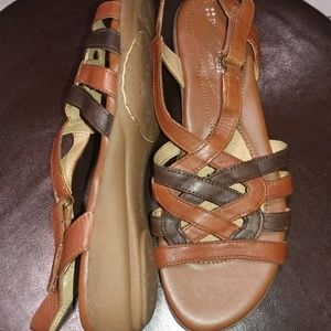 Ladies Brown Leather Naturalizer Charm Sandals
